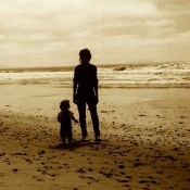 beach-mother-son-silhouette