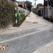 Green alley in Los Angeles (Credit: The Trust for Public Land)