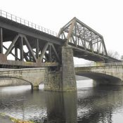 Local leaders want to turn a railroad trestle that links Easton to Phillipsburg into pedestrian-bike path (Harry Fisher / The Morning Call)