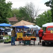 Farmers market in St. Charles, IL (City of St Charles, IL / Flickr)